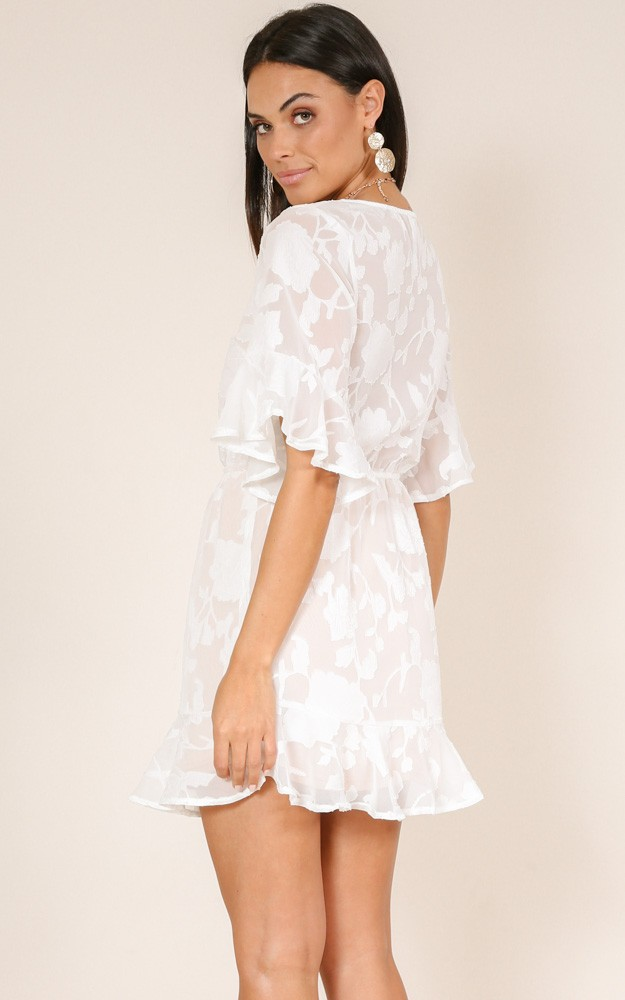 /n/o/nobody_but_us_dress_in_white_lace_ro.jpg