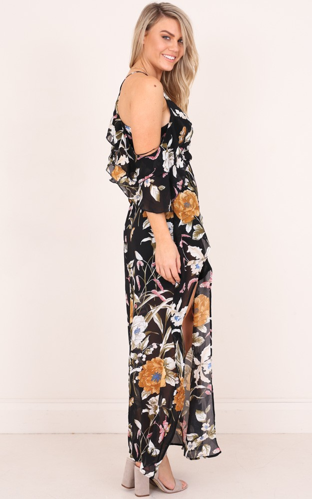 /n/o/notice_you_maxi_dress_in_black_floral_ro.jpg