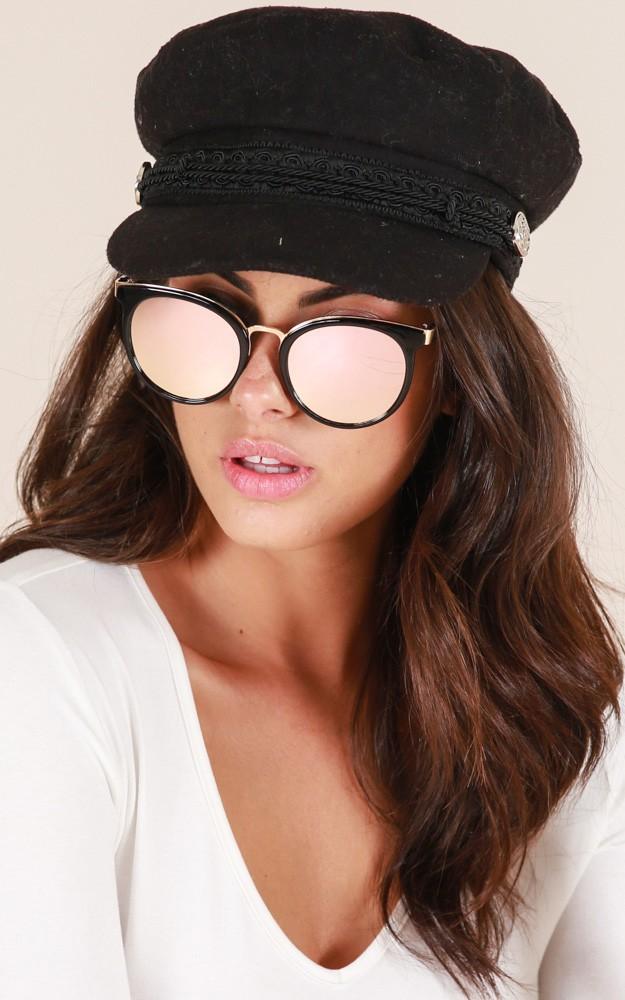 /o/n/one_more_chance_sunglasses_in_black_and_pintn.jpg