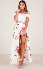 Empress Shorts in blush floral