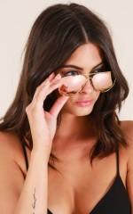 Bang Bang sunglasses in gold and pink