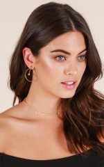 Be My Distraction earrings in gold