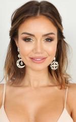 Beautiful Contrast earrings in gold