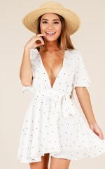 Breezy life dress in White dot