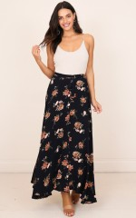Flying On Neverland maxi skirt in navy floral