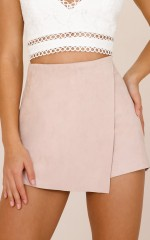 Give Me Tonight skort in blush suedette