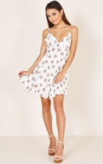 Laid Back Dress in white floral
