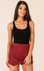 No Doubt skort in wine suedette