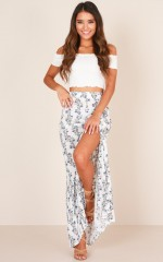 Nomadic Madness skirt in white floral