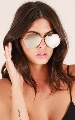 Pull Me Down sunglasses in gold