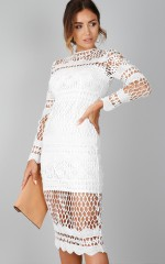 Queens dress in white crotchet