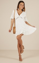 Tailgate dress in white linen look