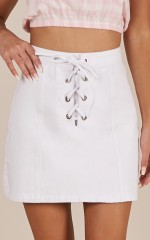First Kiss skirt in white