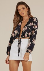 Forgetful Girl Top in navy floral