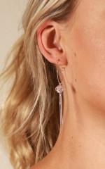 Like It Better earrings in gold