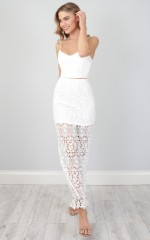 Daylight Dancing maxi skirt in white lace