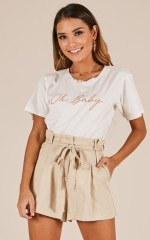 Havana Sunset shorts in beige linen look