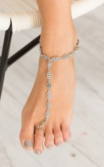 Flower Child foot chain in antique silver