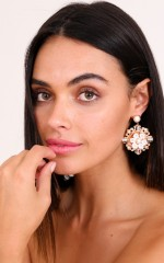 Aphrodite earrings in gold