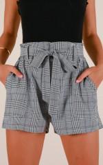 Common Sense shorts in grey check