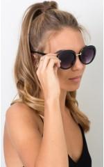 Fight The Sun sunglasses in black