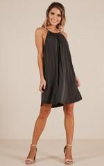 Simplify dress in black