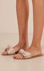 Billini - Cavanah Slides in blush micro