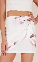 To Be Young skirt in white floral