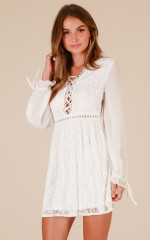 Sun Is Shining dress in white lace