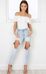 Zendaya jeans in light wash