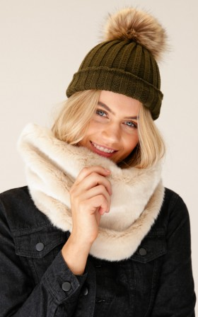 Rugged Up snood in cream