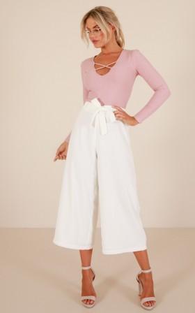 Feel Alive pants in white