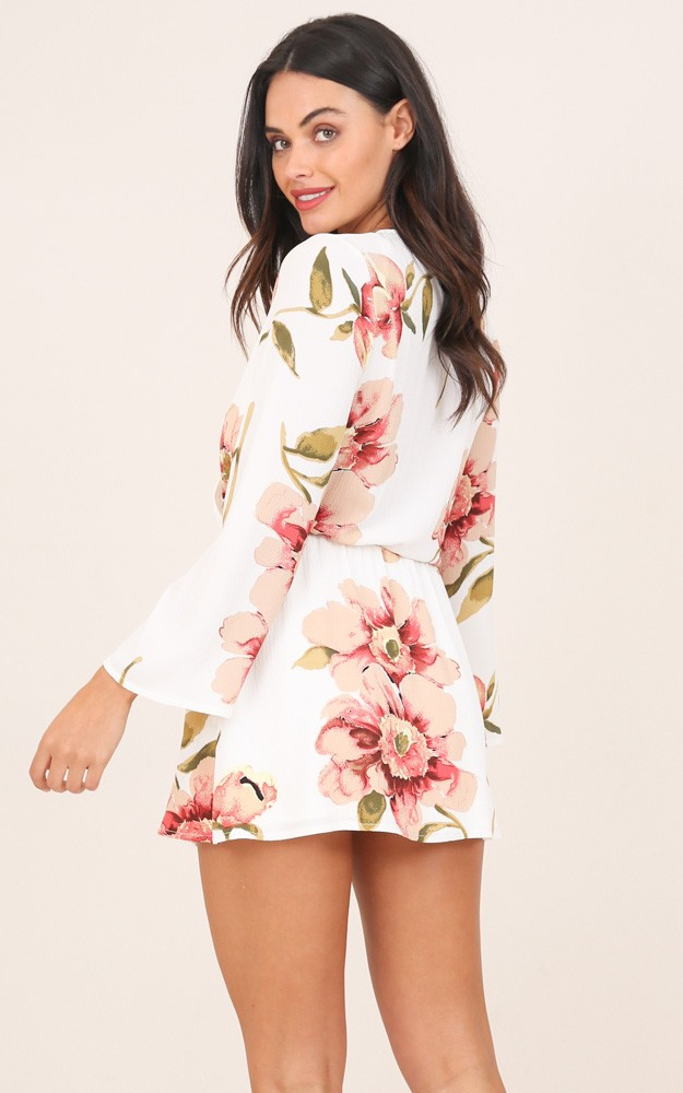 /g/l/glory_days_dress_in_white_floral_ro.jpg