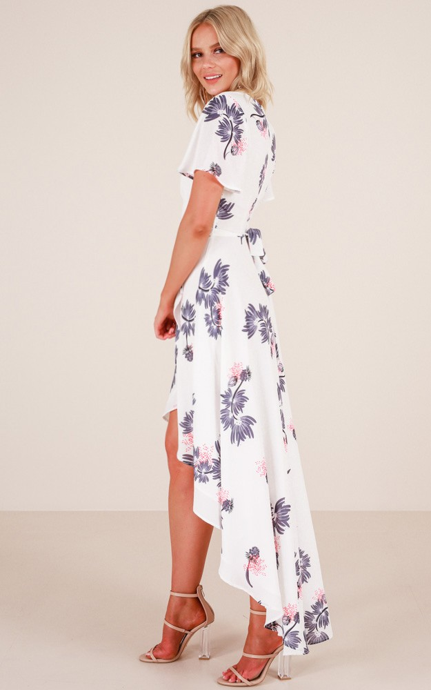 /r/o/roseville_maxi_dress_in_white_floral_ro.jpg