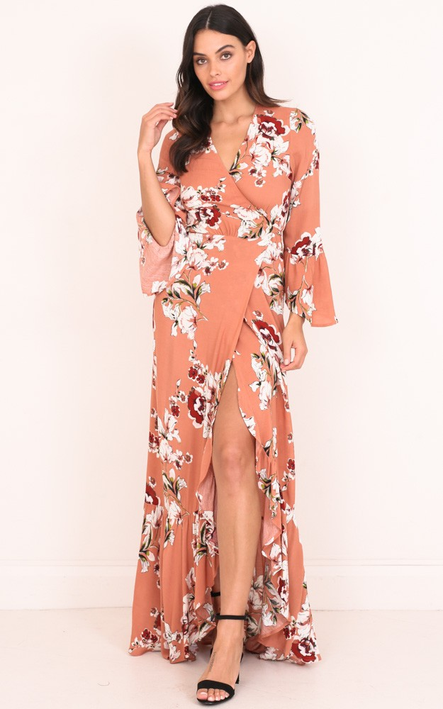 /y/o/your_arms_around_me_maxi_dress_in_peach_floral_tn.jpg
