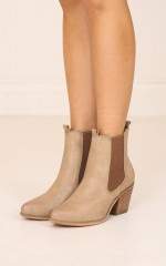 Therapy Shoes - Antonio in burnished camel