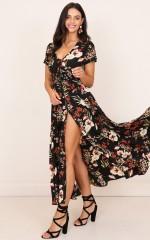 Feeling So Close maxi dress in black floral
