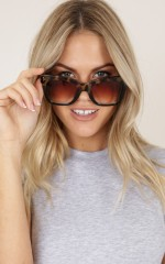 Here We Go Sunglasses in tortoise