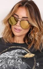 Quay - Indio sunglasses in black and gold
