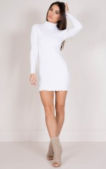 Marshmellow knit dress in white