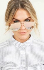 Pop Star sunglasses in rose gold