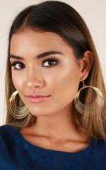 Satisfaction earrings in gold