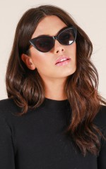 Sunset Sweetheart sunglasses in black