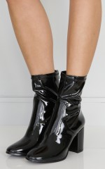 Therapy Shoes - Hoxton in black wet look