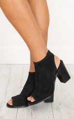 Therapy Shoes - Volente in black