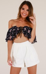 Flower Passion crop top in navy floral
