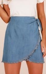 Newport skirt in light wash