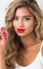 Lime Crime - Velvetine Liquid Lipstick in red velvet