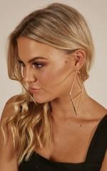 Solitude earrings in rose gold