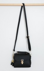 Strutting Down bag in black